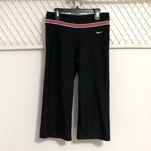 NIKE Cropped Athletic Pants Black Pink